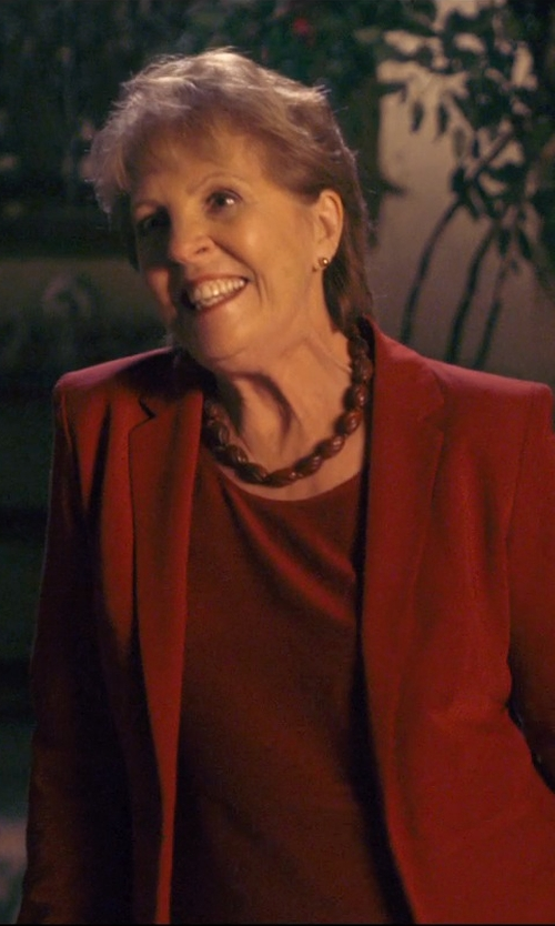 Penelope Wilton with Heirloom Finds Vintage Bakelite Graduate Oval Bead Necklace in The Second Best Exotic Marigold Hotel