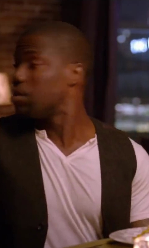 Kevin Hart with Lucky Brand Men's Notch Neck Tee in About Last Night