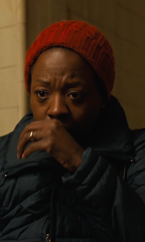Viola Davis with La Fiorentina Women's Acrylic Cable Knit Beanie Hat in Prisoners