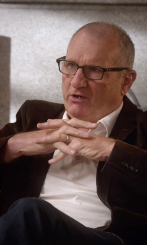Ed O'Neill with Ermenegildo Zegna Wool Two-Button Blazer in Modern Family