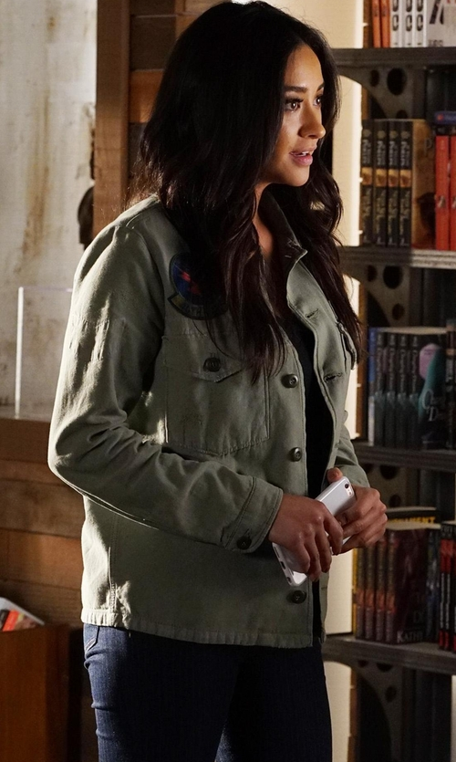 Shay Mitchell with Topshop 'Jamie' Pinstripe Ankle Skinny Jeans in Pretty Little Liars