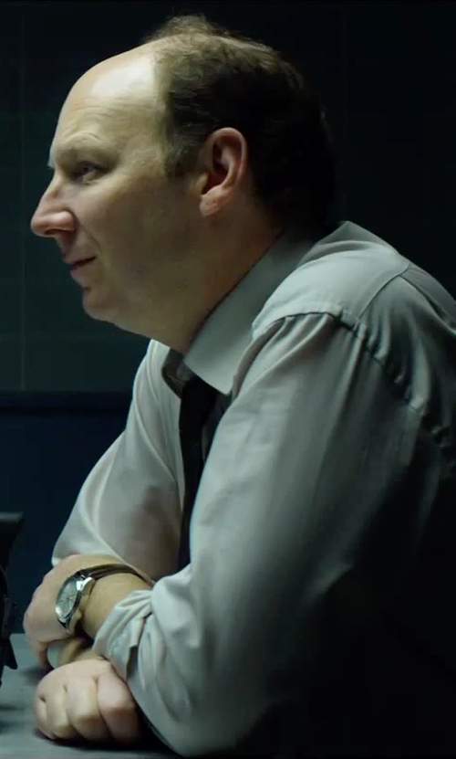 Dan Bakkedahl with Fossil 'Grant' Round Chronograph Leather Strap Watch in Hitman: Agent 47
