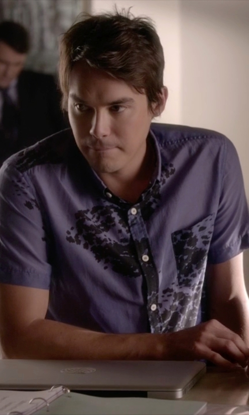 Tyler Blackburn with Cubavera Rayon Printed Tropical Woven Shirt in Pretty Little Liars