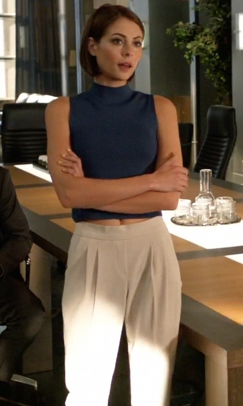 Willa Holland with Babaton Cohen Pants in Arrow