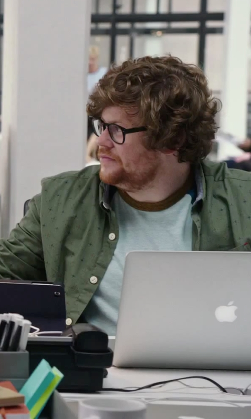 Zack Pearlman with Apple MacBook Air Laptop in The Intern