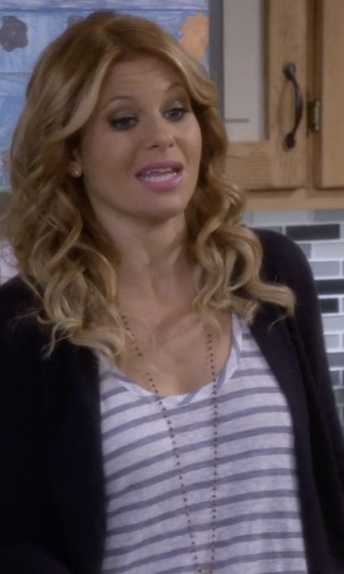 Candace Cameron Bure with Assembly Label Coastal Linen Tank Top in Fuller House