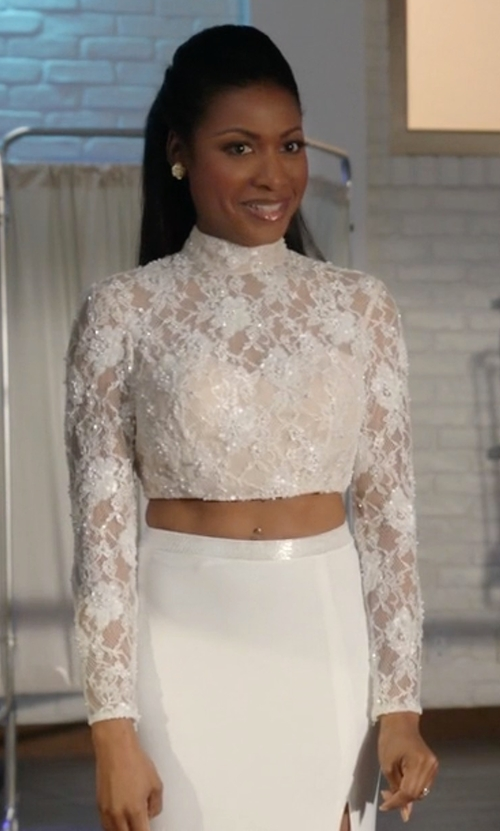 Gabrielle Dennis with For Love And Lemons Vika Crop Top in Rosewood