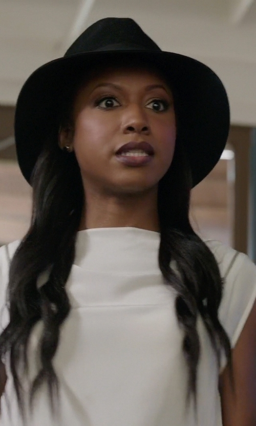 Gabrielle Dennis with Rag & Bone Fedora Hat in Rosewood