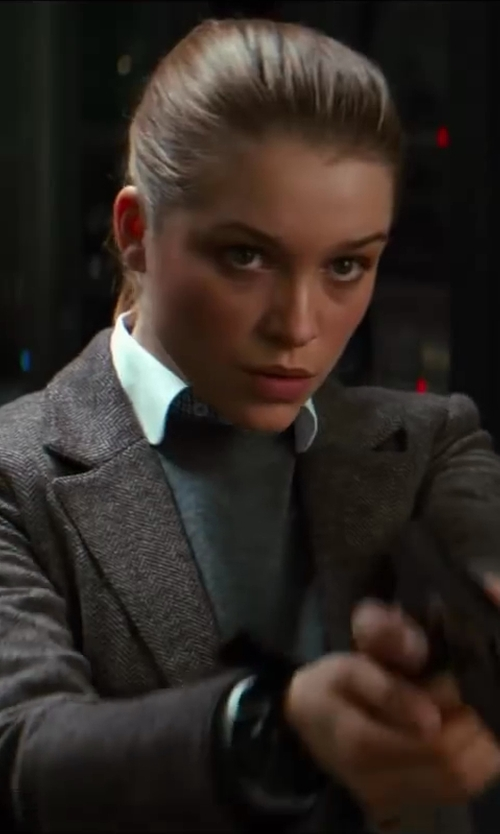 Sophie Cookson with Theory Daithi Button-Down Blouse in Kingsman: The Secret Service
