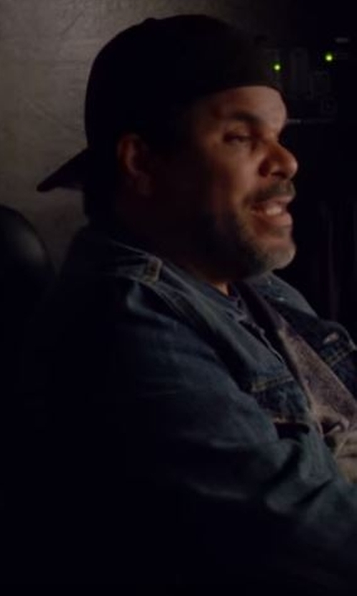 Luis Guzmán with Carven Wool Cap in Roadies