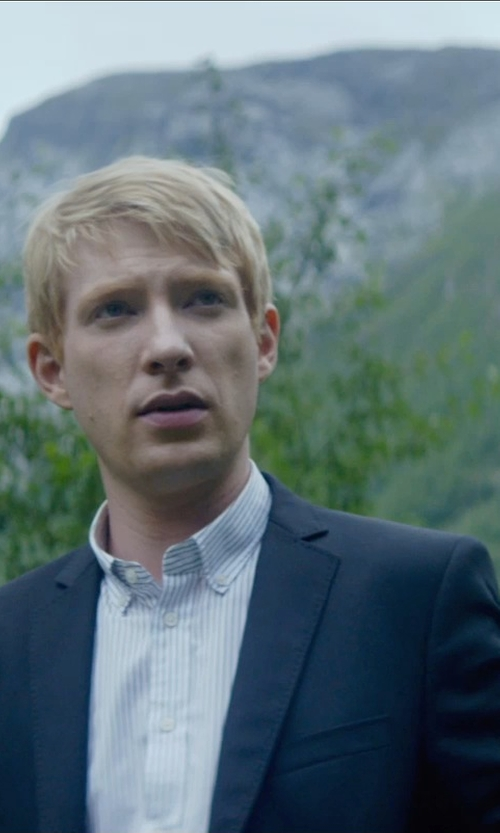 Domhnall Gleeson with Boss Hugo Boss Basic Two-Button Suit in Ex Machina