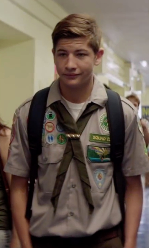 Tye Sheridan with Eddie Bauer Men's Web Plaque Belt in Scout's Guide to the Zombie Apocalypse