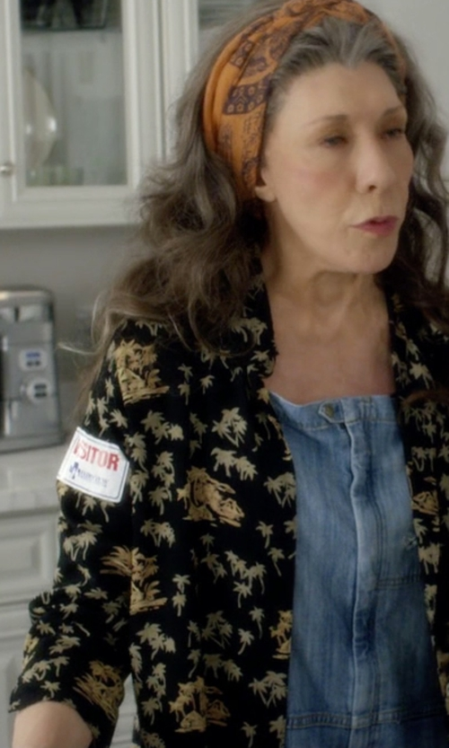 Lily Tomlin with Diane von Furstenberg Chrissie Printed Silk Button-Front Blouse in Grace and Frankie