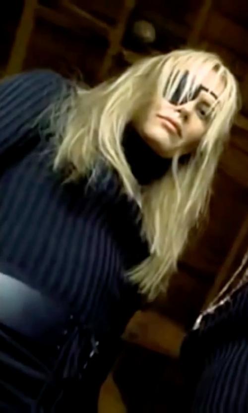 Daryl Hannah with Metric Knits Wide-Rib Turtleneck Sweater in Kill Bill: Vol. 1