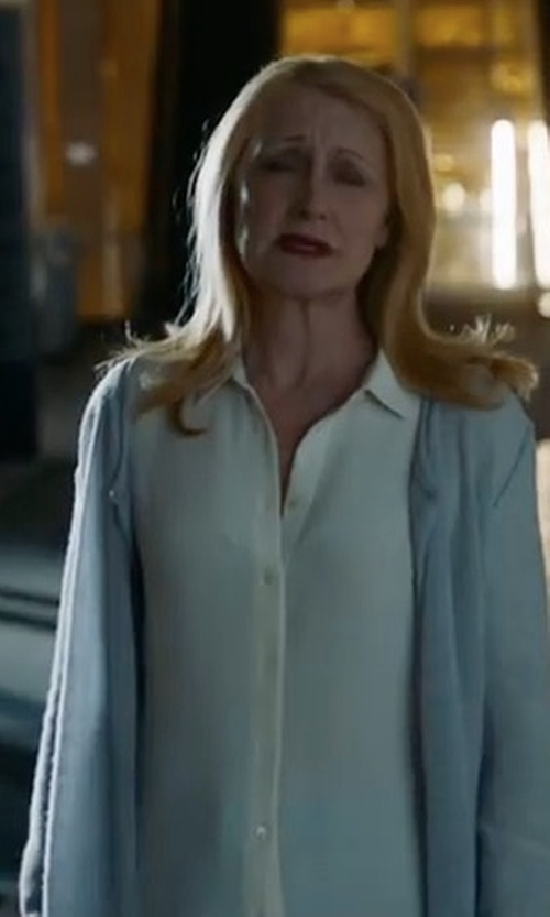 Patricia Clarkson with Barneys New York Cotton Button-Down Shirt in Maze Runner: The Death Cure