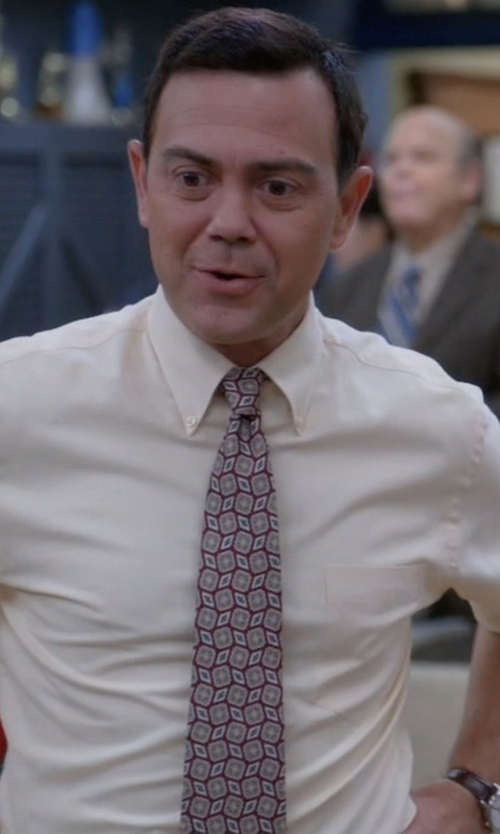 Joe Lo Truglio with Fairfax Floating Diamond Jacquard Tie in Brooklyn Nine-Nine
