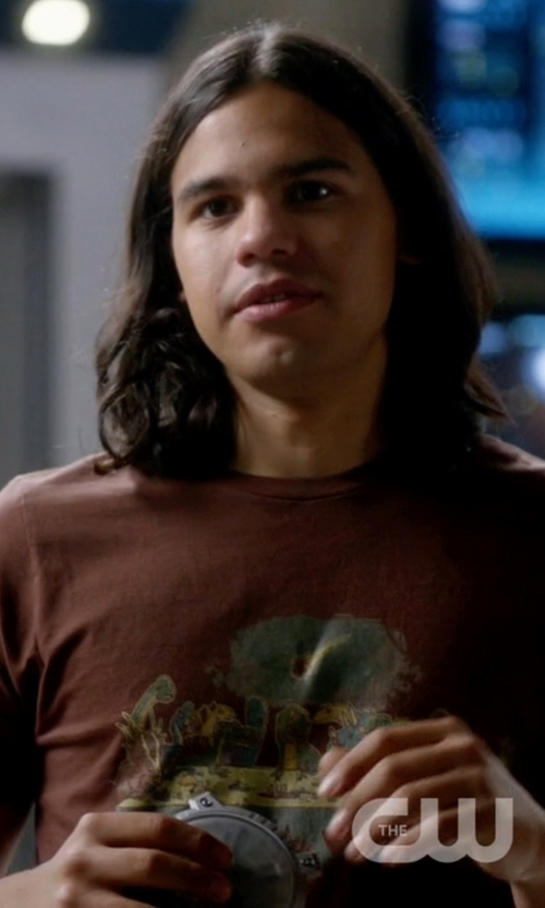 Carlos Valdes with Threadless The Last Supper Tee Shirt in The Flash