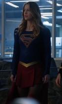 Supergirl - Season 1 Episode 17 - Manhunter