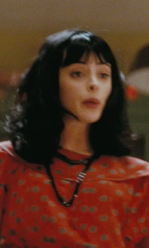 Krysten Ritter with A.B.S. By Allen Schwartz Chain-Link Collar Necklace in Confessions of a Shopaholic