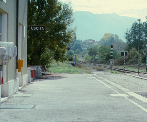 Thekla Reuten with Sulmona Introdacqua Station Sulmona, Italy in The American