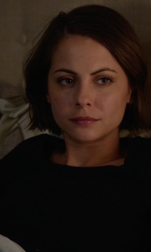 Willa Holland with Eileen Fisher Long-Sleeve Jersey Cozy Tee in Arrow