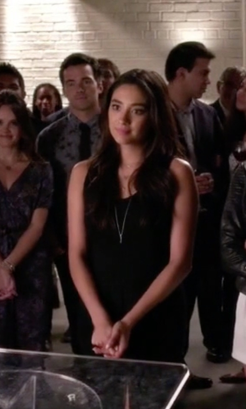 Shay Mitchell with Jennifer Zeuner Jewelry Diamond Bar Pendant Necklace in Pretty Little Liars