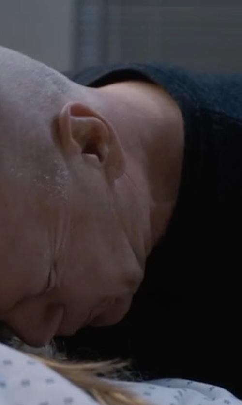 Bruce Willis with Gant Crewneck Sweater in Death Wish