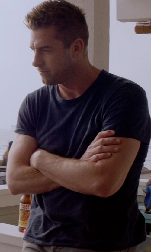 Scott Speedman with John Elliott Mercer Tee in Animal Kingdom