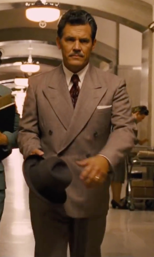 Josh Brolin with Euromoda Double Breasted Wool Suit in Hail, Caesar!