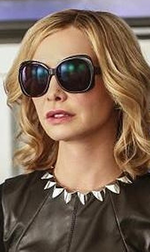 Calista Flockhart with Ray-Ban Vintage Oversized Round Jackie Ohh Sunglasses in Supergirl