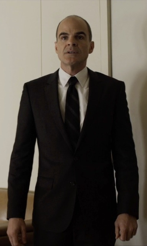 Michael Kelly with Canali Wool 2-Button Suit in House of Cards