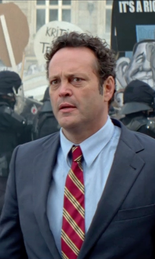 Vince Vaughn with Richard James Blue Cotton-Poplin Shirt in Unfinished Business