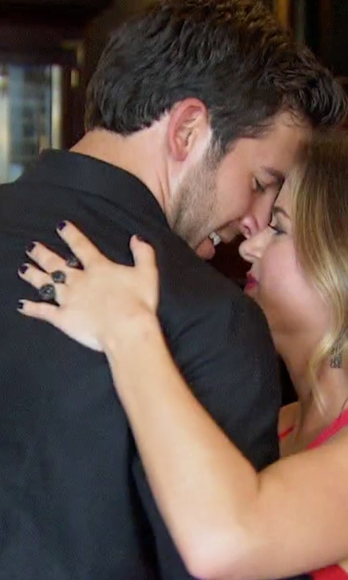 JoJo Fletcher with Kendra Scott 'Naomi' Double Finger Ring in The Bachelorette