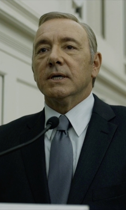 Kevin Spacey with Gitman Textured Cotton & Silk Blend Tie in House of Cards
