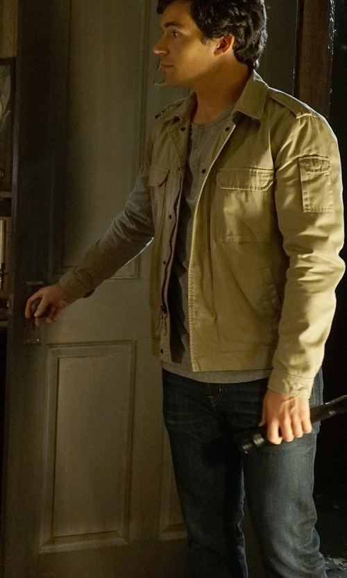 Ian Harding with Ochenta Rugged Wear Vintage Trucker Jacket in Pretty Little Liars