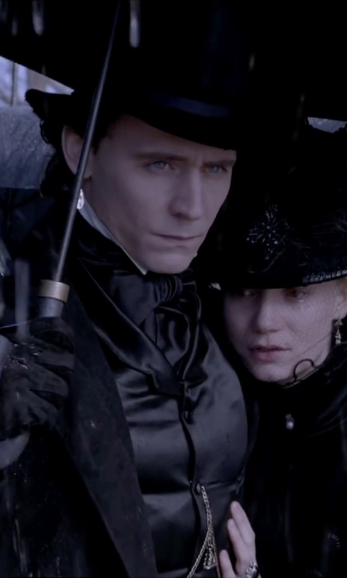 Tom Hiddleston with Dorfman Pacific Wool Felt Top Hat in Crimson Peak