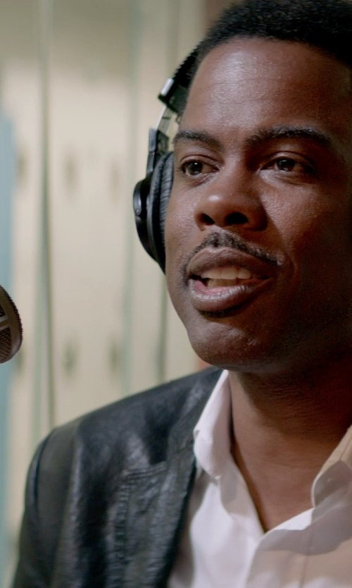 Chris Rock with Electro Voice 309 A Shockmount in Top Five
