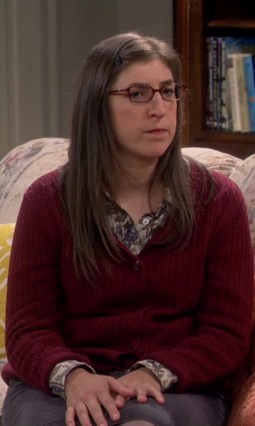 Mayim Bialik with Armani Jeans Knitted Cardigan in The Big Bang Theory