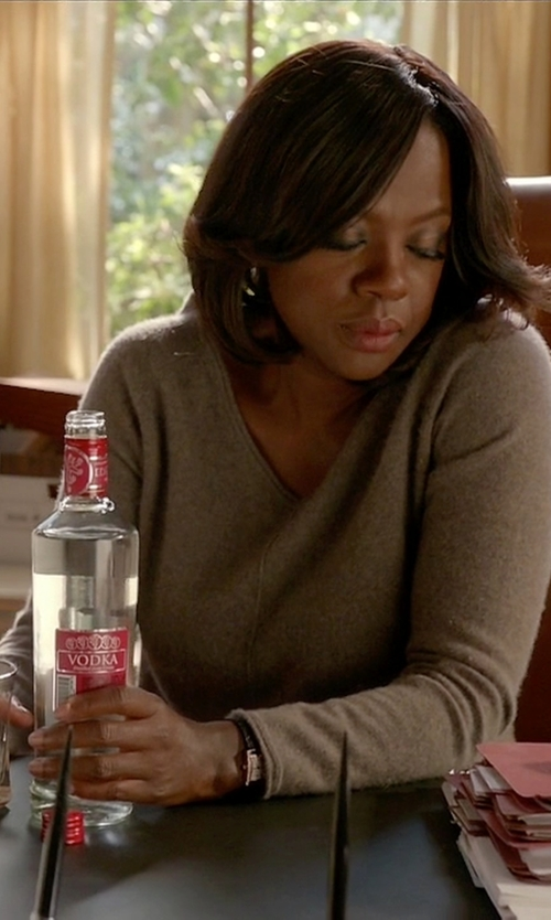 Viola Davis with Equipment Asher Cashmere Sweater in How To Get Away With Murder