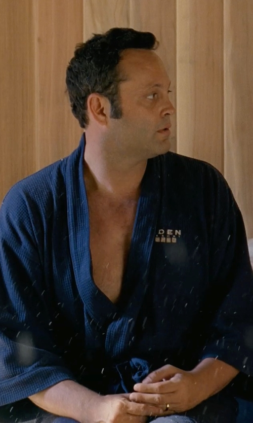 Vince Vaughn with Saddlebred Waffle Weave Robe in Couple's Retreat
