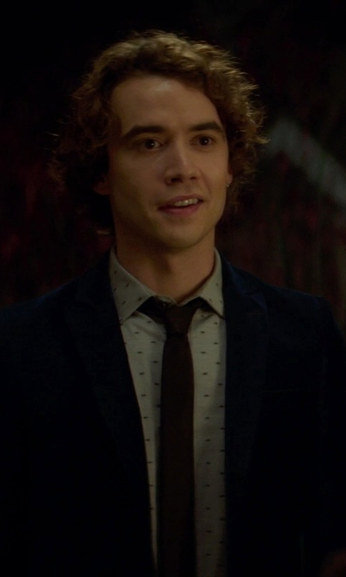 Jamie Blackley with Zara Man Satin Tie in If I Stay