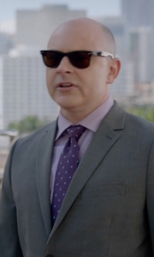 Rob Corddry with Armani Collezioni Neat Circle-Dot Printed Tie in Ballers