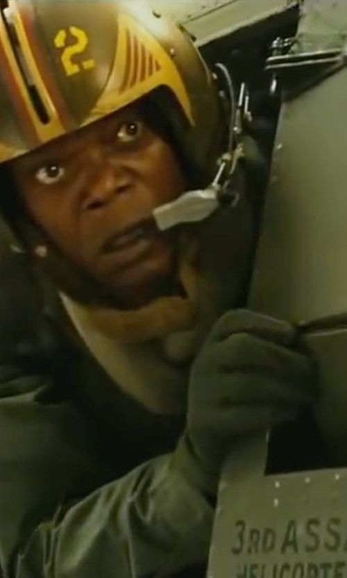 Samuel L. Jackson with Free Soldier Wear-resisting Blackhawks Tactical Full Finger Glove in Kong: Skull Island