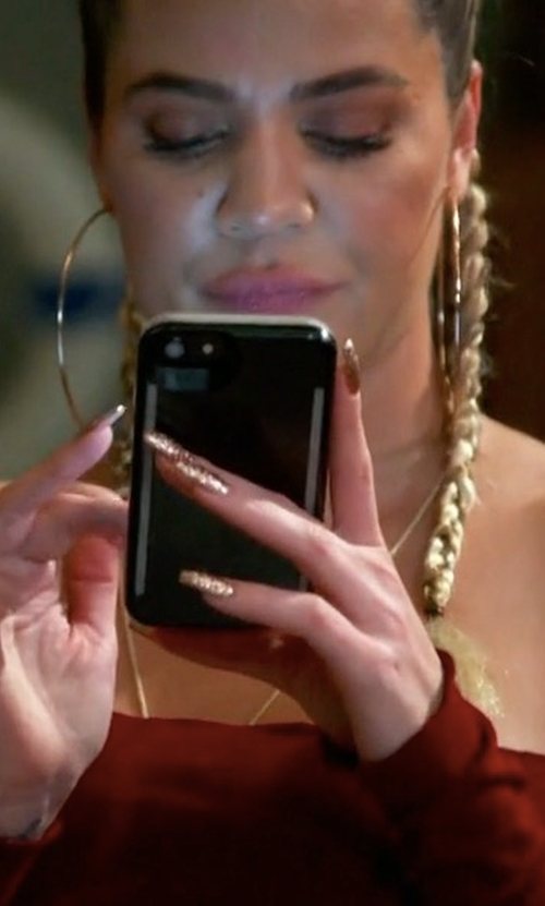 Khloe Kardashian with LuMee Duo iPhone 7 Case in Keeping Up With The Kardashians