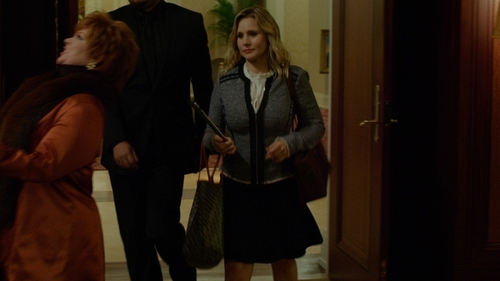 Kristen Bell with Neiman Marcus Ikat-Print Reversible Tote Bag in The Boss