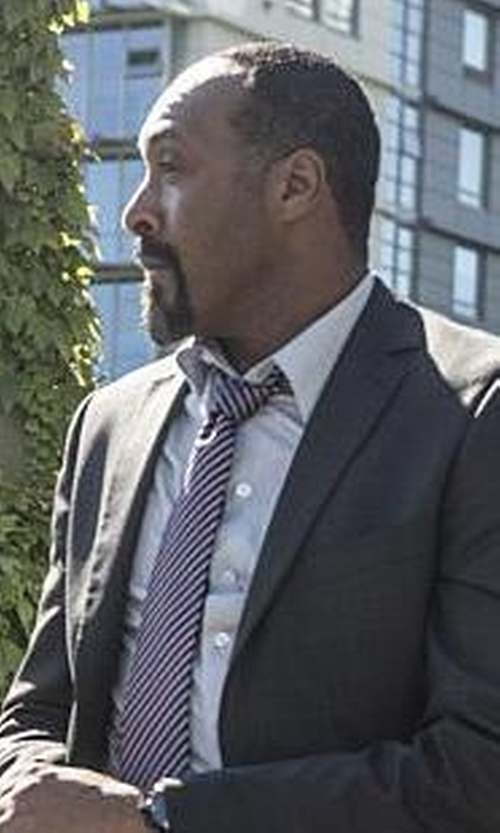 Jesse L. Martin with Todd Snyder Silk & Cotton Tie in The Flash