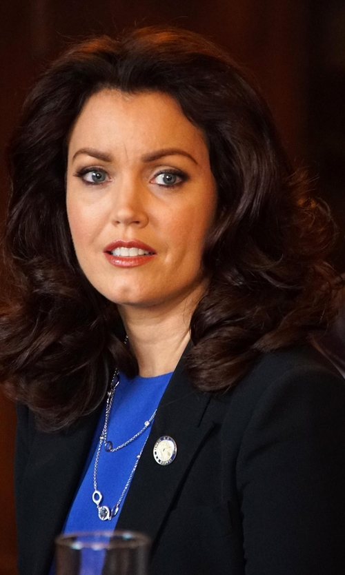 Bellamy Young with Theory Peaked Lapel Blazer in Scandal