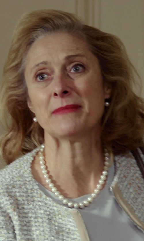 Caroline Goodall with Target Round Pearl Strung Necklace in The Best of Me