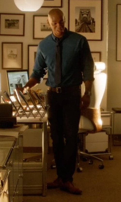 Mehcad Brooks with Florsheim Men's Montinaro Cap Toe Oxford Shoes in Supergirl
