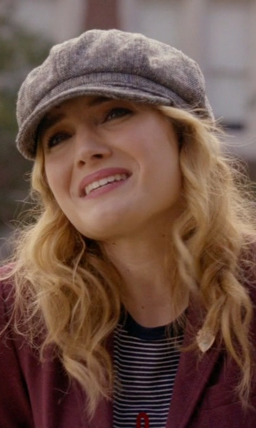 Skyler Samuels with Truly Madly Deeply Voyages Tee in Scream Queens